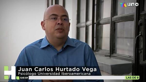 Imagen del video de la entrevista realizada por Azteca Noticias al Doctor Juan Carlos Hurtado Vega.