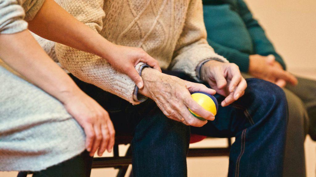 cuidadores adultos mayores